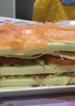 Sándwich 🥪 vegetal con salmón ahumado 🐟