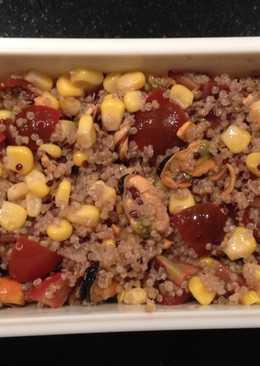 Ensalada quinoa con mejillones en escabeche+tomate cherry+maíz