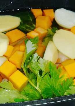 Sopa de verduras y puchero sencillo