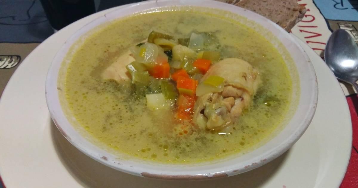 Sopa de pollo y arroz receta
