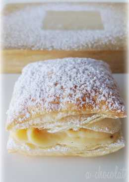 Hojaldres rellenos de crema pastelera (Miguelitos)
