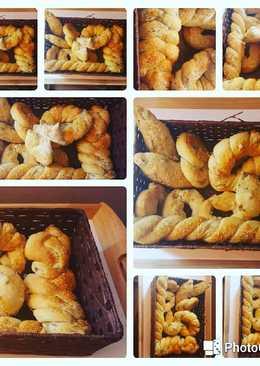 Panes con aceitunas y parmesano