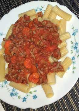 Pasta con tomate natural