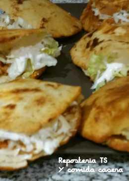 Gorditas rellena de pechugas de pollo (a estilo Mexicana)
