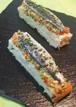 Focaccia con guacamole y sardinas marinadas