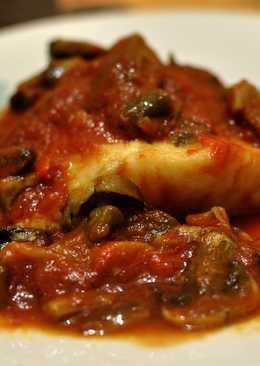 Bacalao en salsa de tomate con setas