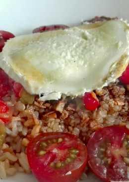 Ensalada templada de quinoa y pimientos asados