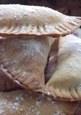 Empanadillas dulces rellena de mermelada de tamarindo