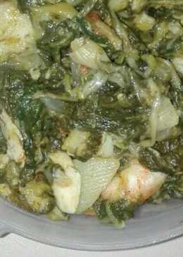 Acelgas con patatas, calabacín y frutos del mar