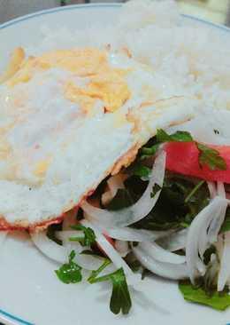 Mi ensalada perfecta para el huevo frito