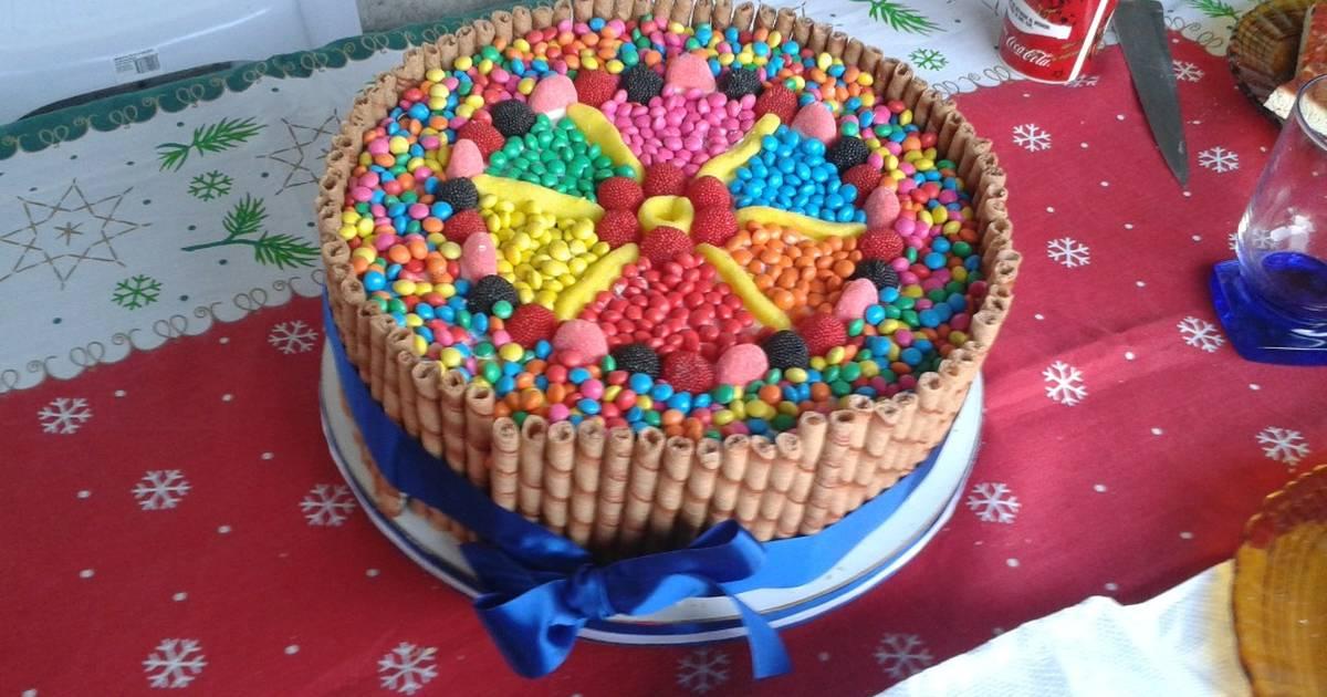 Torta multicolor de dulces receta de valentina cookpad for Decoracion de tortas caseras