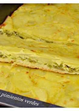Coca de patatas y pimientos verdes. (Thermomix)