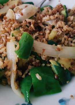 Quinoa integral con arroz y verduras