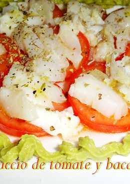 Carpaccio de tomate y bacalao con guacamole