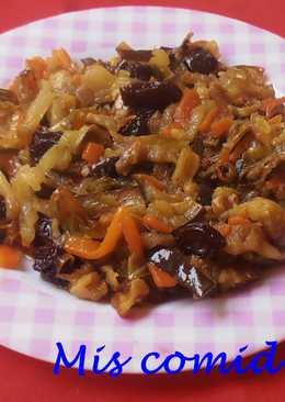 Verduras salteadas al curry con pasas y nueces
