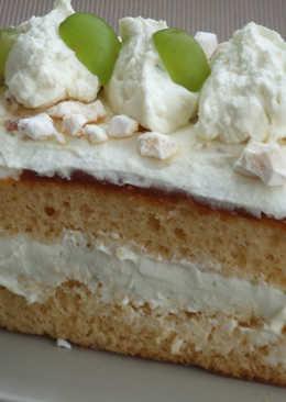 Pastel de vainilla con relleno de albaricoque (damascos) y crema de mascarpone