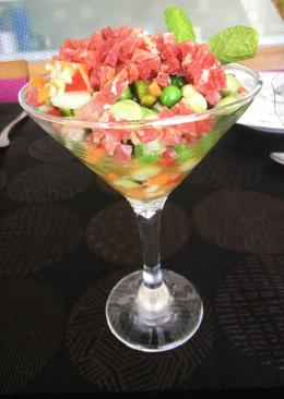 Copa de habas baby con verduritas y jamón ibérico
