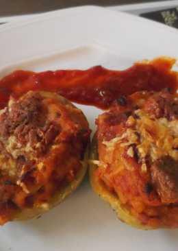 Patatas asadas con bacon, queso y tomate