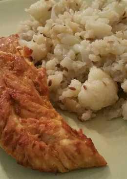 Pechugas de pollo al miso y zumo de naranja y coliflor con comino