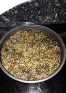 Arroz integral con latas y sofrito de verduras con setas
