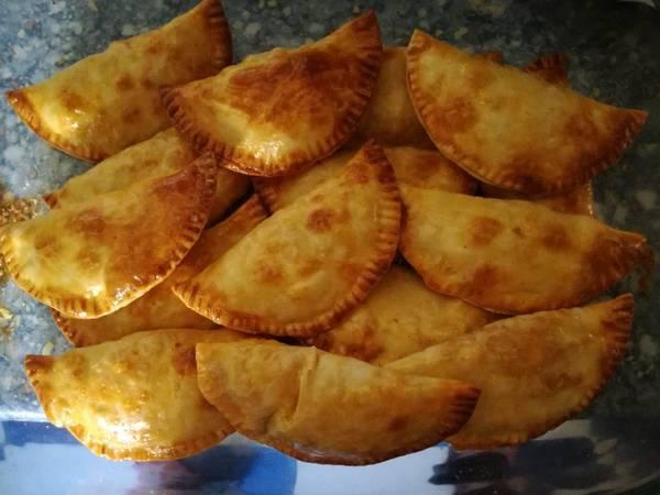 Empanadillas de atún y huevo al horno