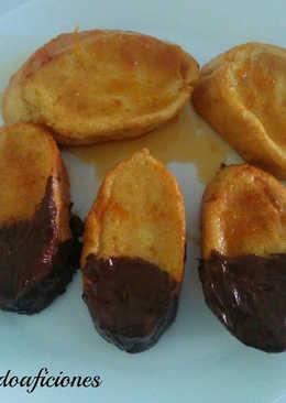 Torrijas al horno con almíbar de naranja y chocolate