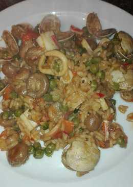 Arroz frito con verduras y gambas y almejas con salsa tariyaqui a mi manera en la olla GM f