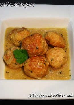 Albóndigas de pollo en salsa de almendras