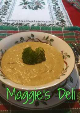 Sopa de brócoli con pollo y queso crema