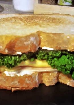 Sándwich de pechuga de pavo, tortilla y Kale