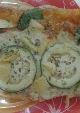 Pizza de hojaldre con calabacín y manzana