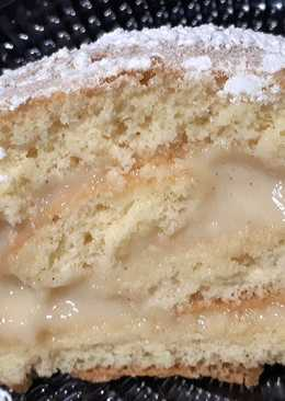 Brazo de gitano (o enrollado) relleno de crema pastelera