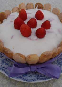 Charlota de crema con fresas