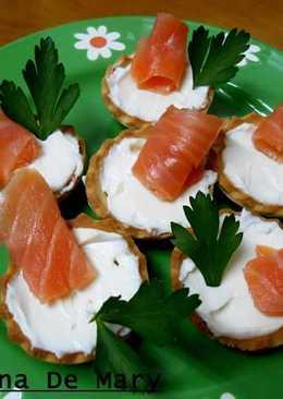 Tartaletas de salmón y queso philadelphia