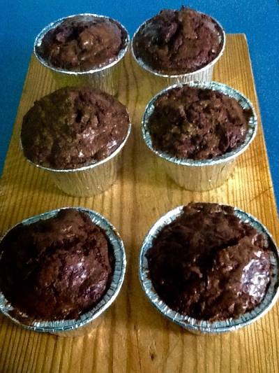 Cupcakes de brownie crujientes y con chocolate fundido dentro