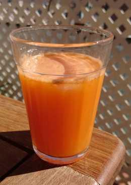 Zumo de naranja, zanahoria y jengibre
