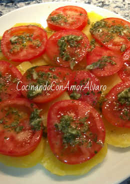 Ensalada de patata y tomate natural