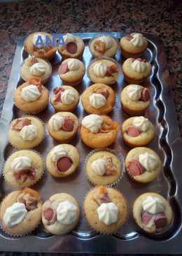 Muffins salados rellenos con salchicha