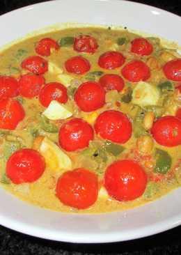 Tomatitos cherry en salsa de mostaza con cacahuetes