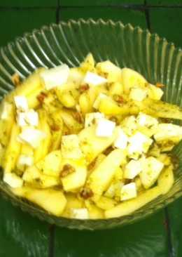Ensalada de manzana con queso y nuez