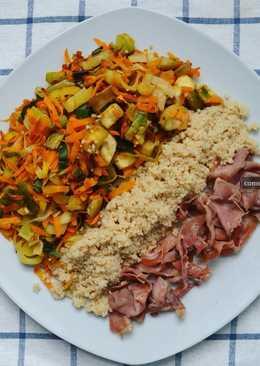 Verduras con cuscús integral y jamón