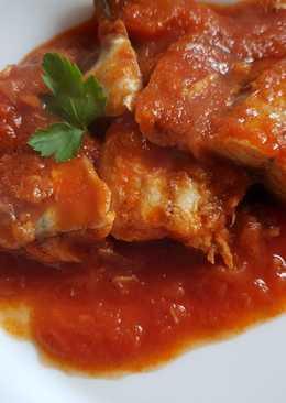 Filetes de caballa en salsa de tomate