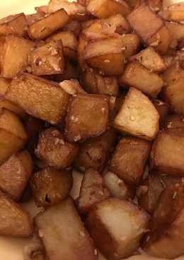 Patatas con ajo y sésamo