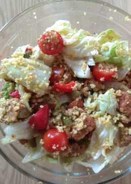 Ensalada templada de couscous y falafel