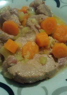Solomillo con calabacín y zanahorias en olla expres