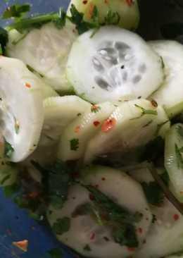 Ensalada deliciosa y fresca de pepino