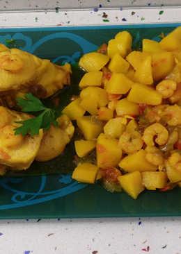 Cazón con patatas y langostinos