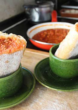 Bocadillo de salsa boloñesa