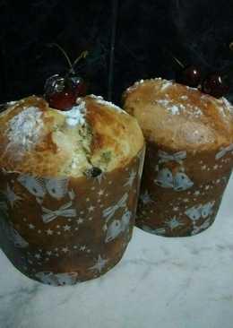 Pan dulce con frutas y chips en amasadora