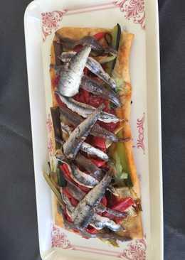 Coca de verduras 🌶 🍅🥒🌽 con sardinas y anchoas